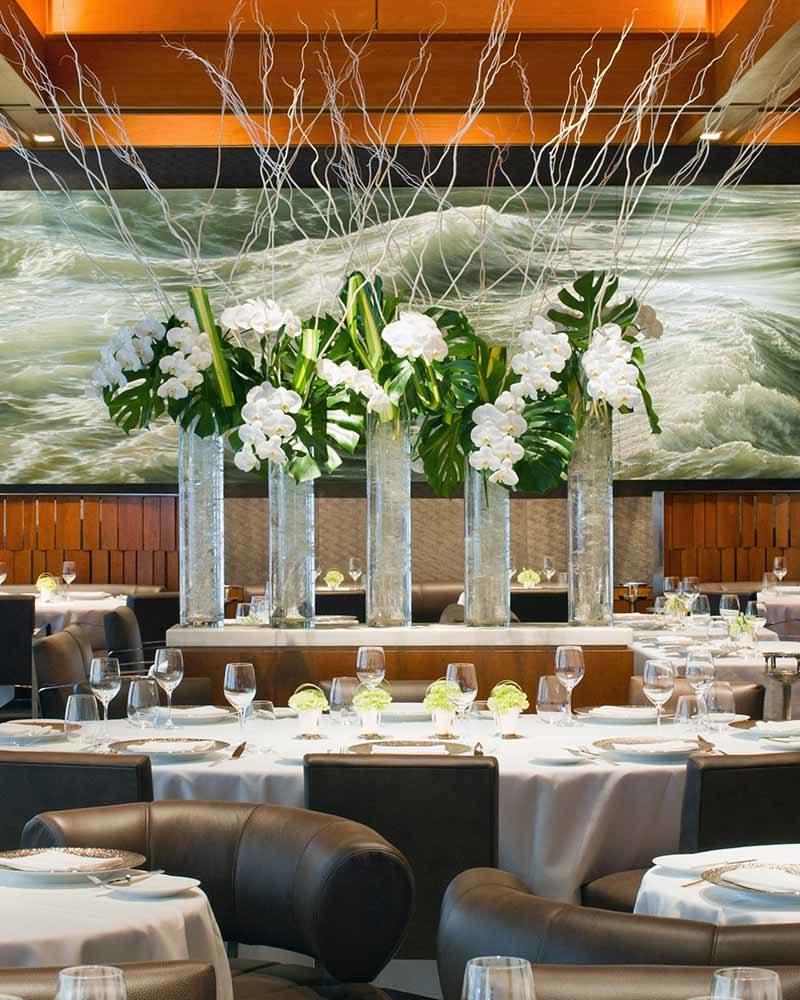 Le Bernardin's dining room. / Le Bernardin