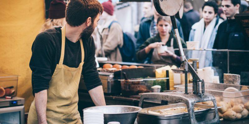 Restaurants are scrambling to attract and retain talent. - Clem Onojeghuo / <a href='https://unsplash.com/photos/mQ0_MMw5qas'>Unsplash</a>